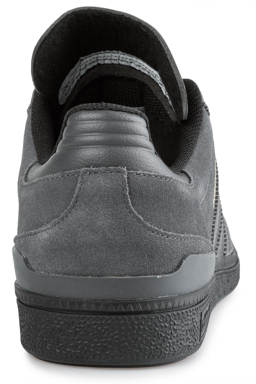 Uomo adidas Skateboarding Busenitz solid grey core black gold   Scarpe da skate